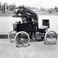 Electric vehicle in Institute Park